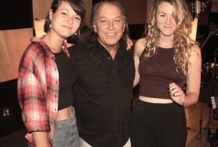 Paul Daraîche chante «Reste avec moi»  En duo avec les Sœurs Boulay