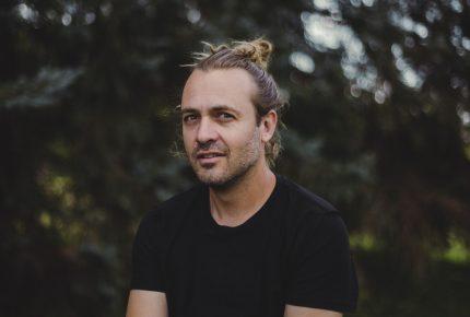 Balai de crin, premier extrait radio de Dany Nicolas
