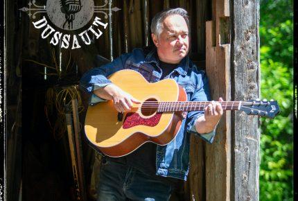Guy Dussault s'offre un véritable cri du cœur avec la chanson « Ramenez-nous les festivals »